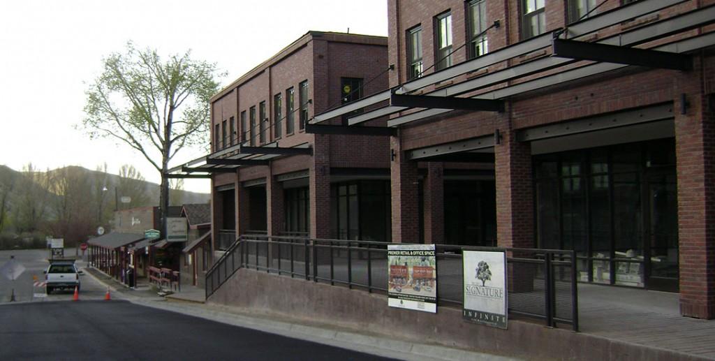 172 Center Street Commercial